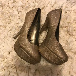 Brash shoes gold, metallic detail
